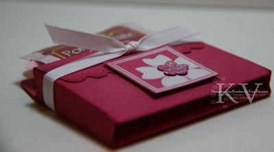 scallop envelope tea holder